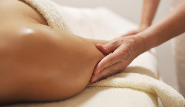 Aromaterapi. Aromaterapimassage. Anne Loua Esbjørn. Abundant Earth. Alternative Behandlere Net